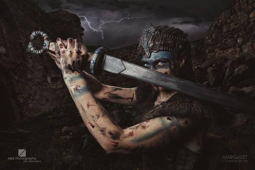 Senua with sword - Margaret Cosplay