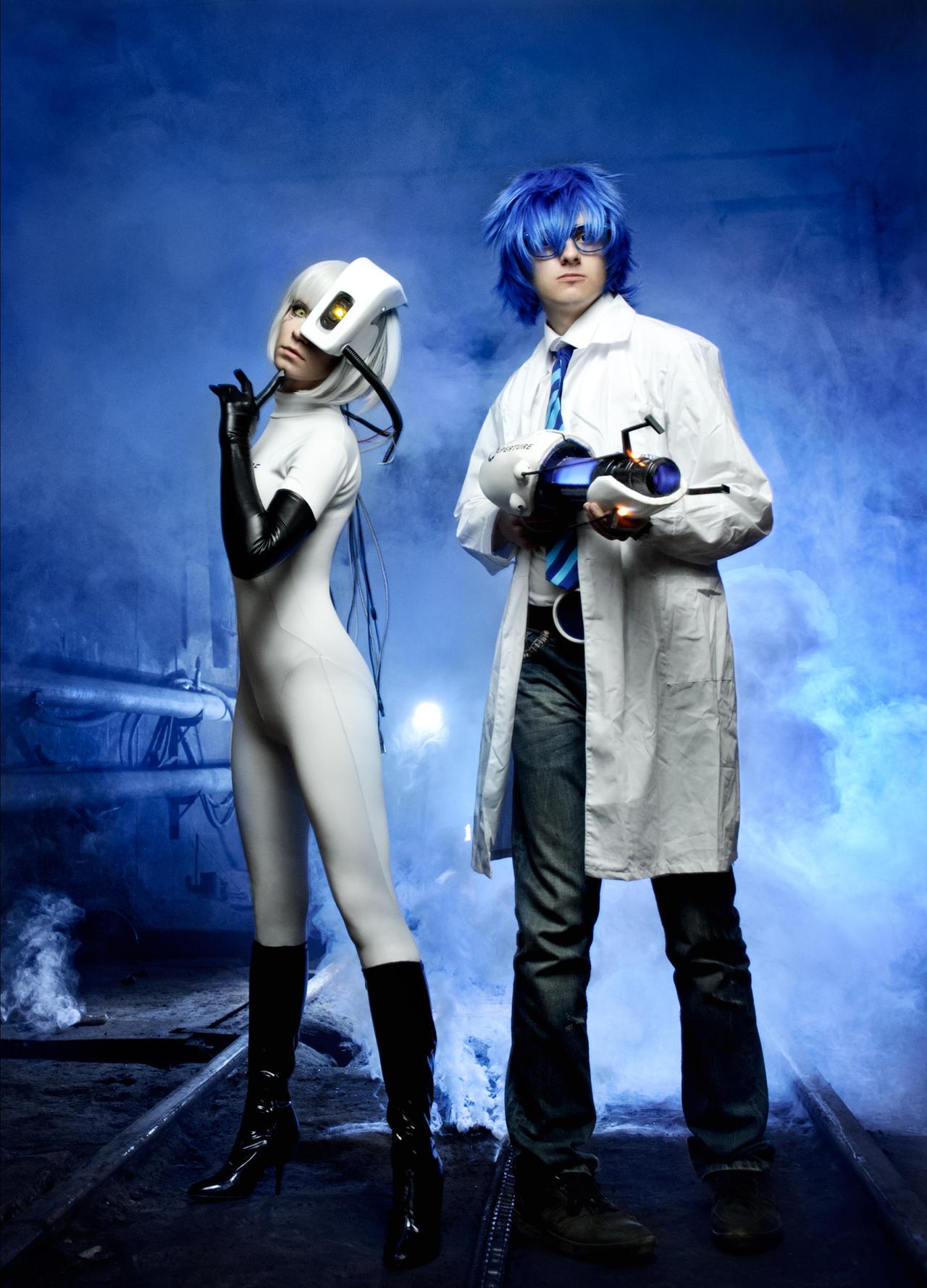 Wheatley and GLaDOS cosplay Portal 2 by Tenori-Tiger