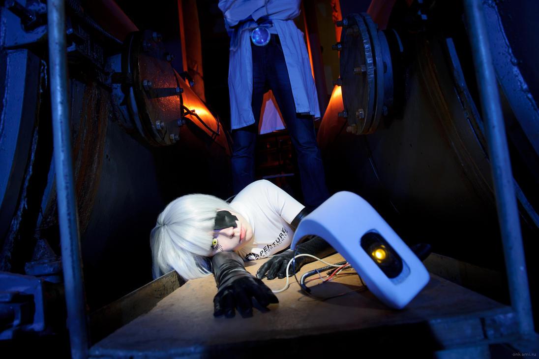 GLaDOS cosplay Portal 2 - GLaDOS Dead by Tenori-Tiger