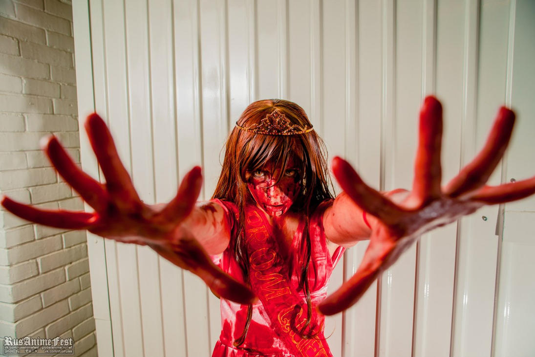 Carrie cosplay Stephen King AvaExpo 2013 by Tenori-Tiger