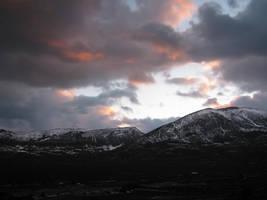 Mountain-Stock-by-GothLyllyOn-Stock by GothLyllyOn-Sotck