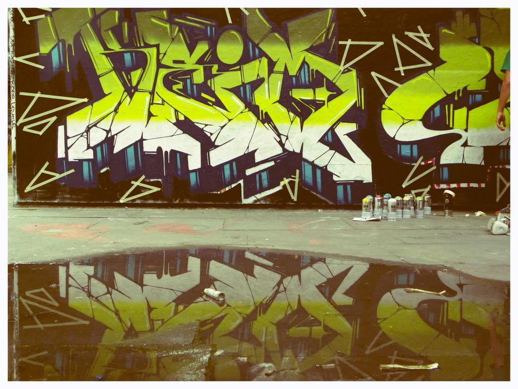 Reflect Graffiti by mtcovik