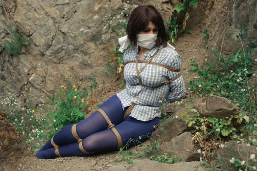 Kidnapping, Caucasian Style - cosplay 02
