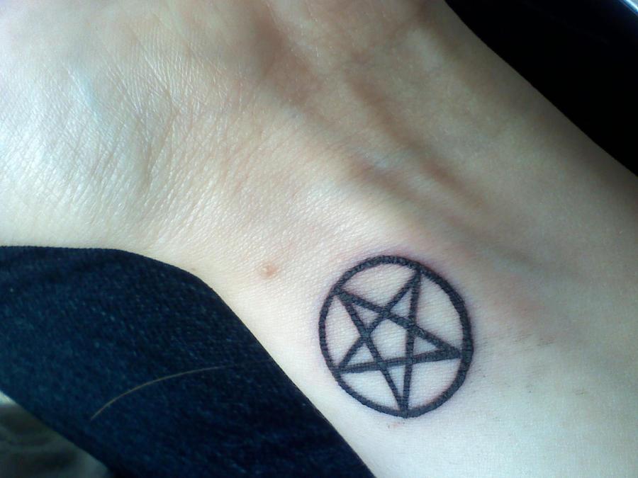 Значение тату пентаграмма на руке