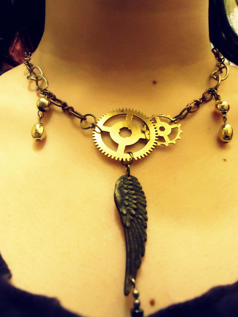 Simple Steampunk Necklace by SteampunkChile