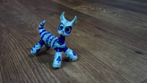 Epoxy clay cat posed by chaitanyak