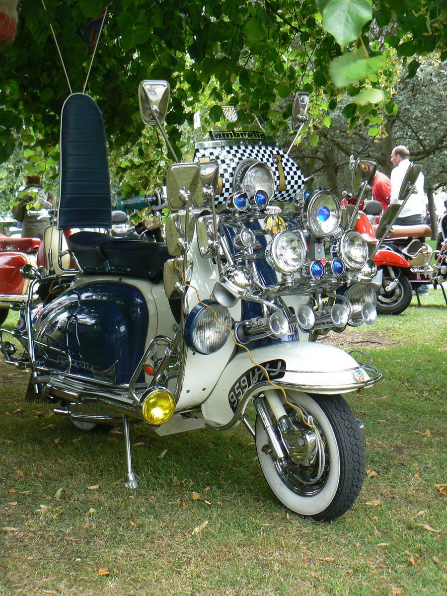 stratford scooter rideout 2011 by amoebabloke