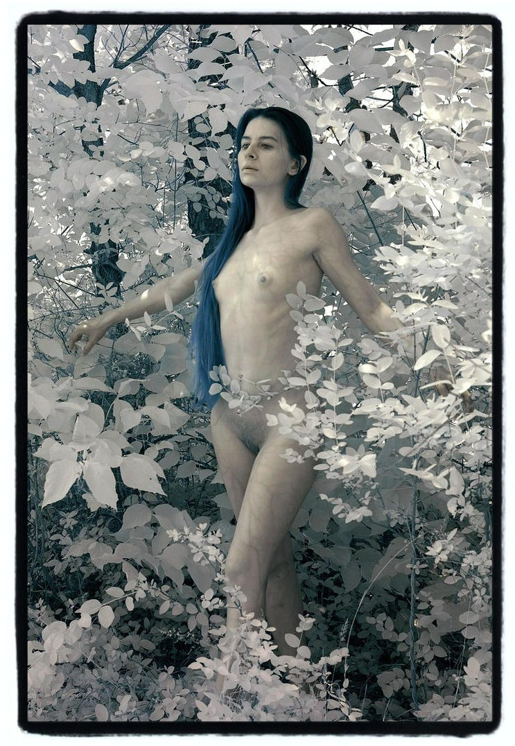 IR Color Nude in Nature by rrebold