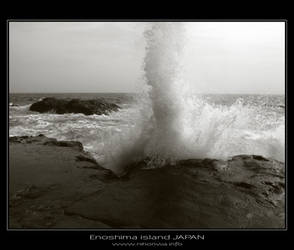 Waves of Enoshima island -1- by Lou-NihonWa