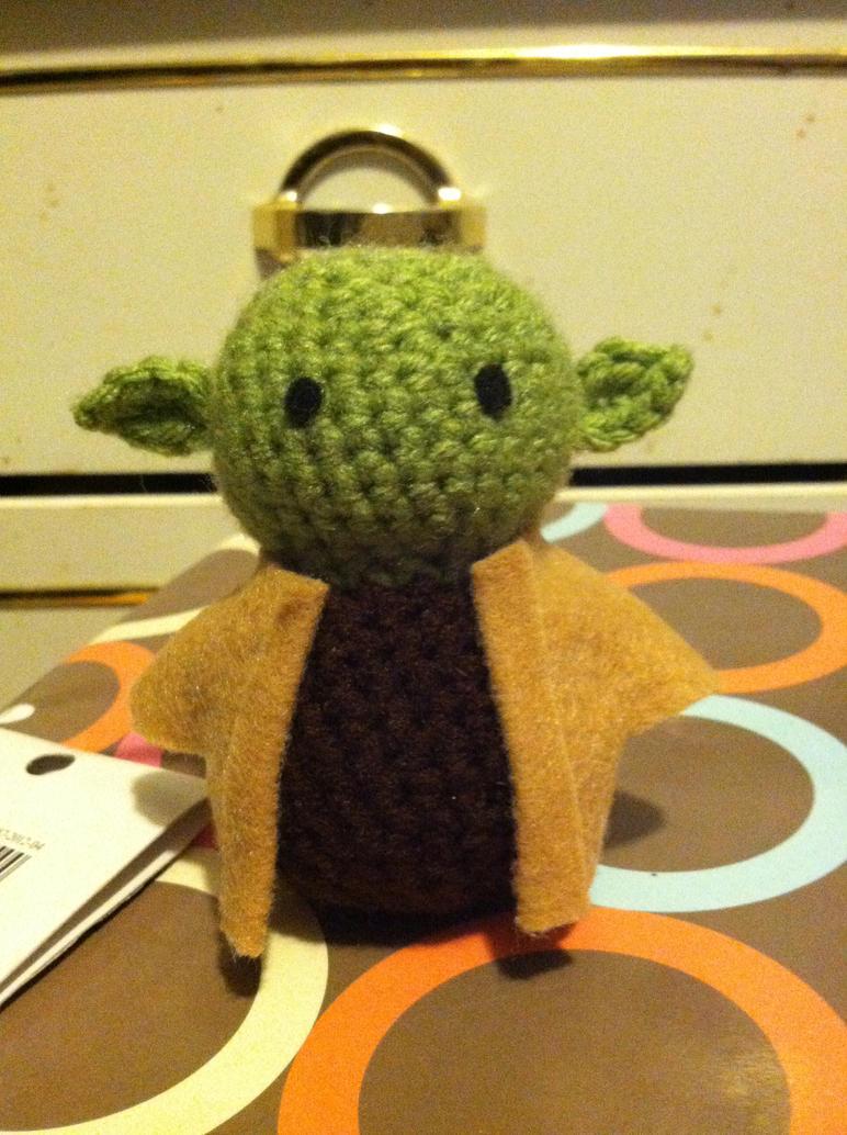 Amigurumi Yoda Patron : Yoda Amigurumi by MelloMelodix on DeviantArt