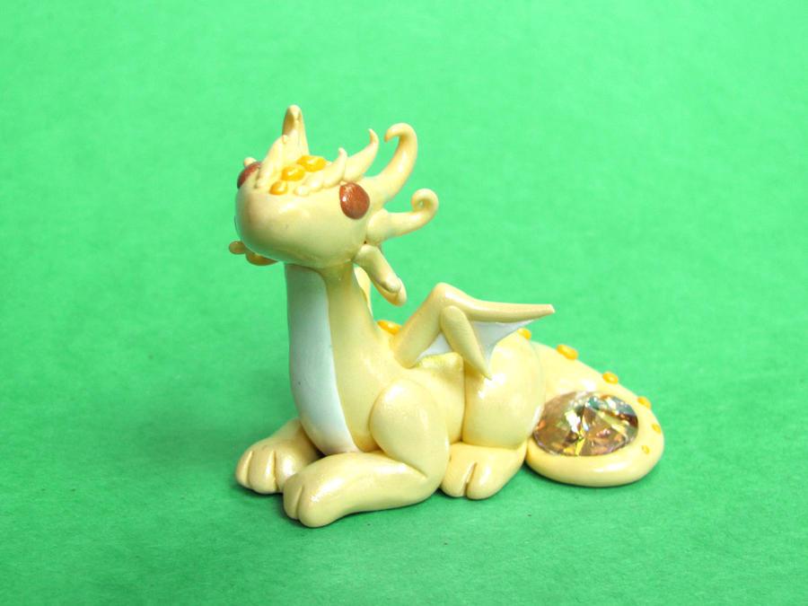 Citrine Yellow Gem Dragon by DragonsAndBeasties