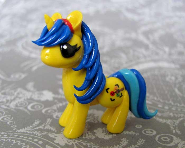 Sammie's Ponysona by DragonsAndBeasties