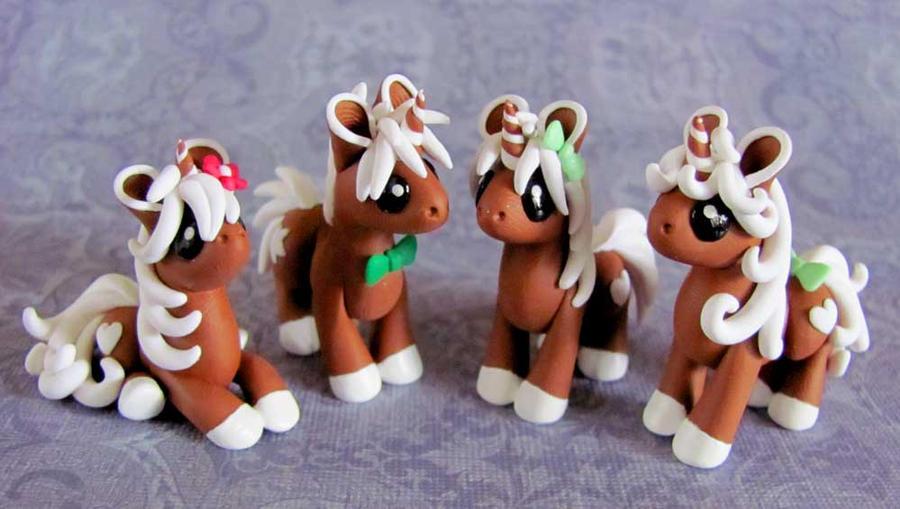 Gingerbread Unicorns by DragonsAndBeasties