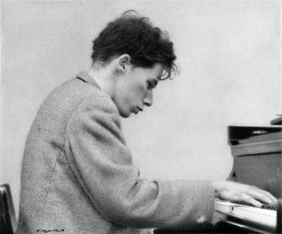 Glenn Gould at Work by yuzu1009