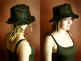 Hat from 18 parts by Lynfir