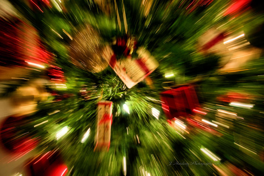 Christmas is Coming by Corvidae65