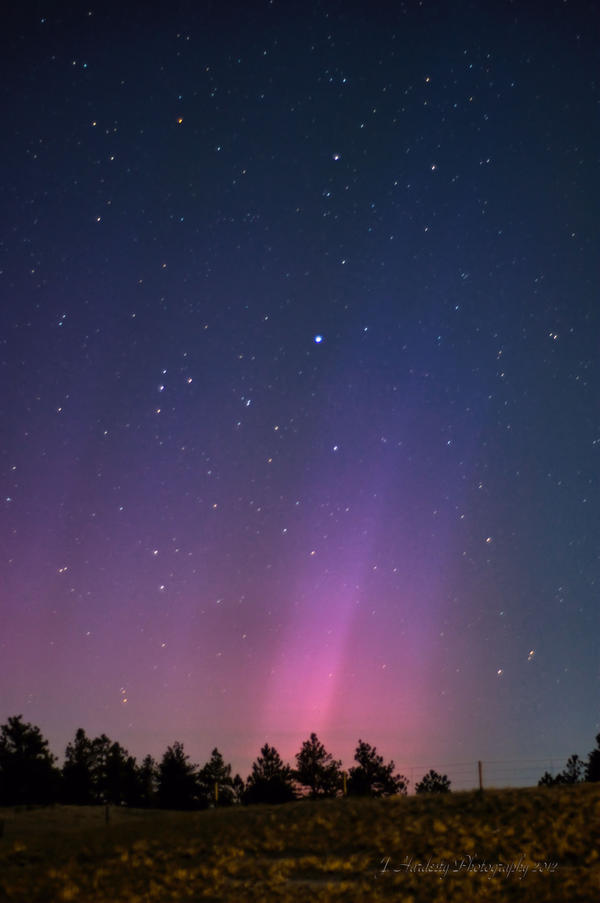 October Aurora by Corvidae65