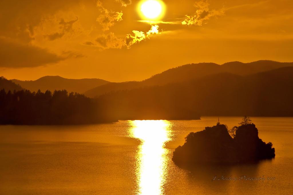 Golden Days by Corvidae65