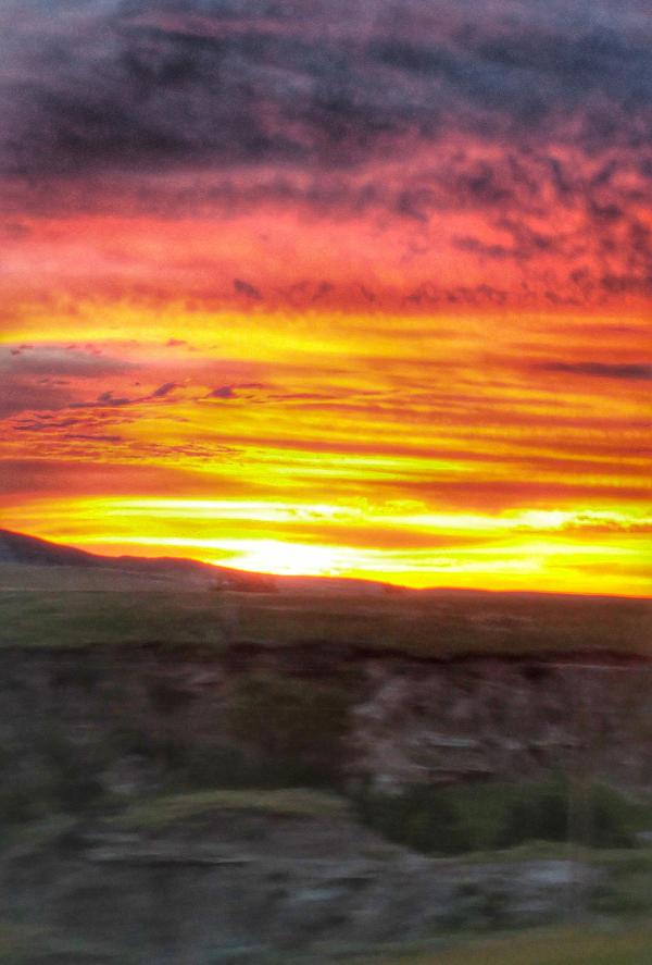 Trippy Sunrise by Corvidae65