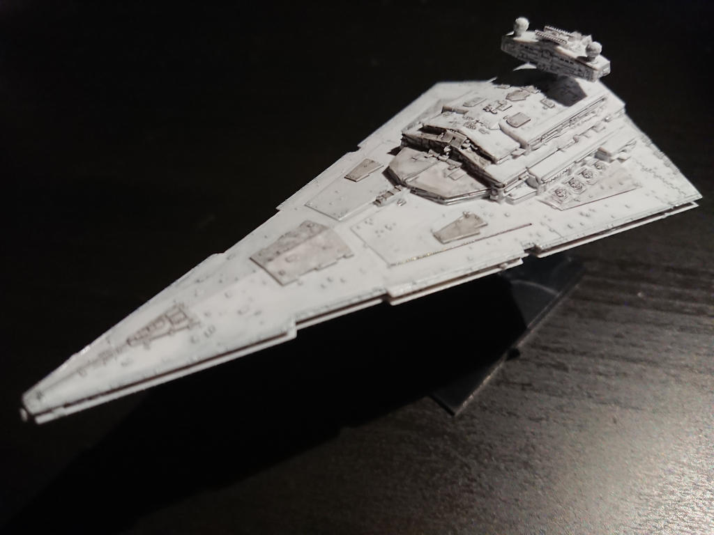 Star Destroyer - Bandai model by Drazeree