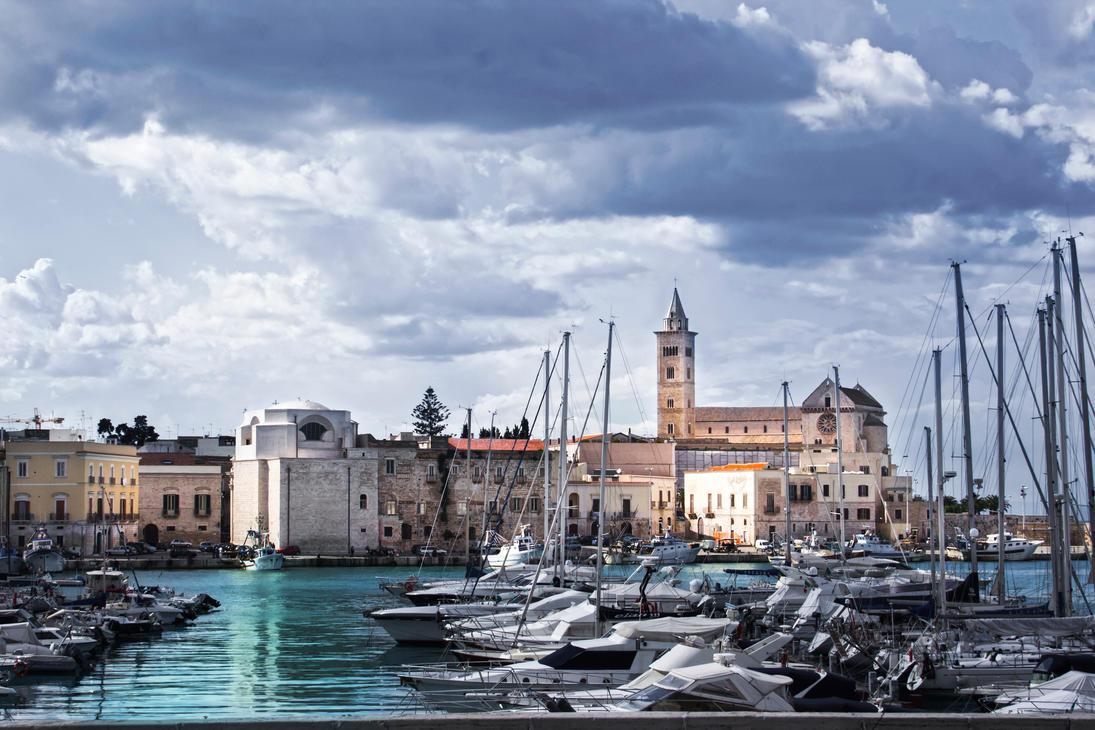 Porto di Trani by BelPaolo