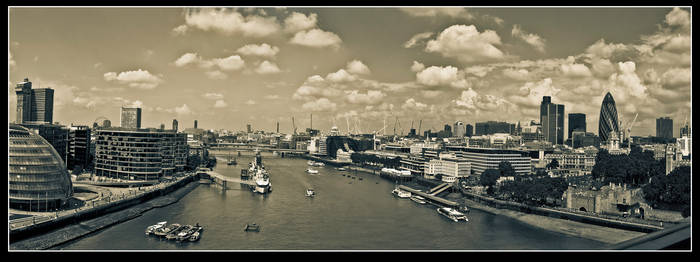 Towerbridge-o-Rama by Mantis-nk
