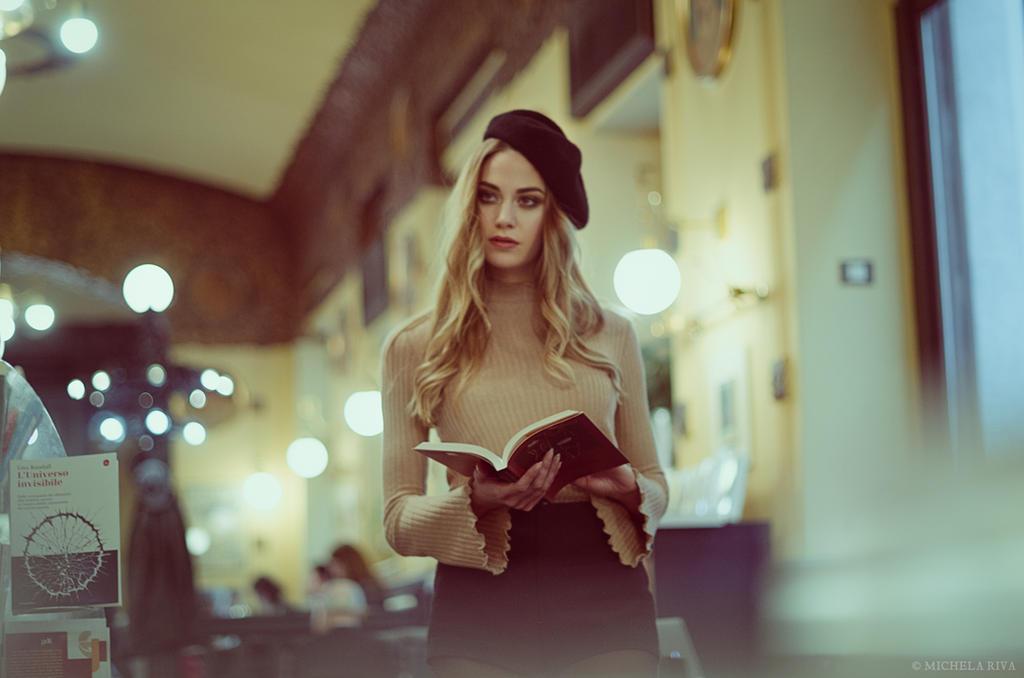 La Ragazza del Caffe-Libreria X by Michela-Riva