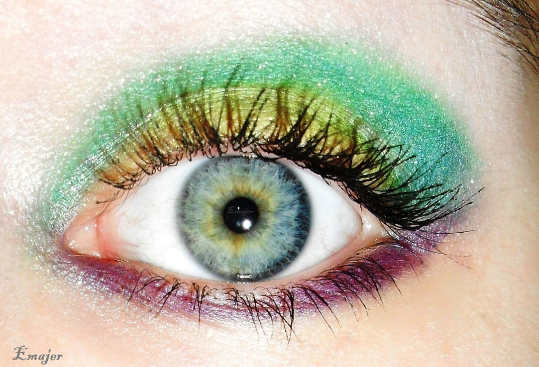 Colorful eye make up by Emajer