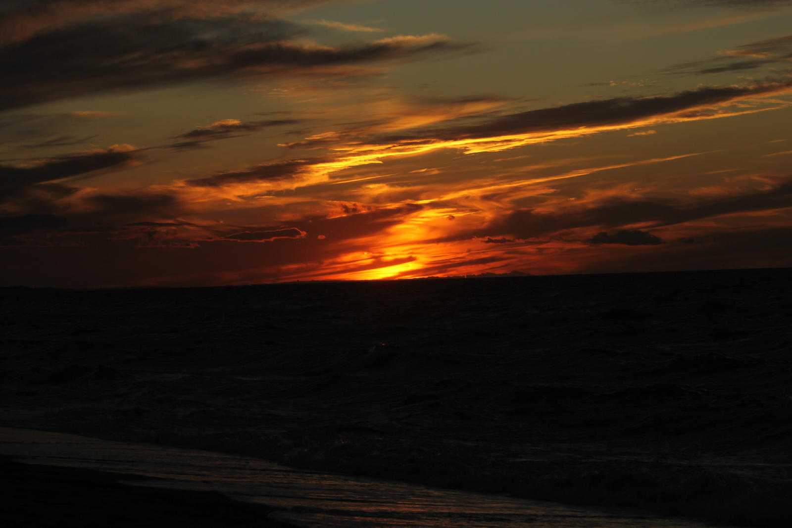 last day light by missayeka
