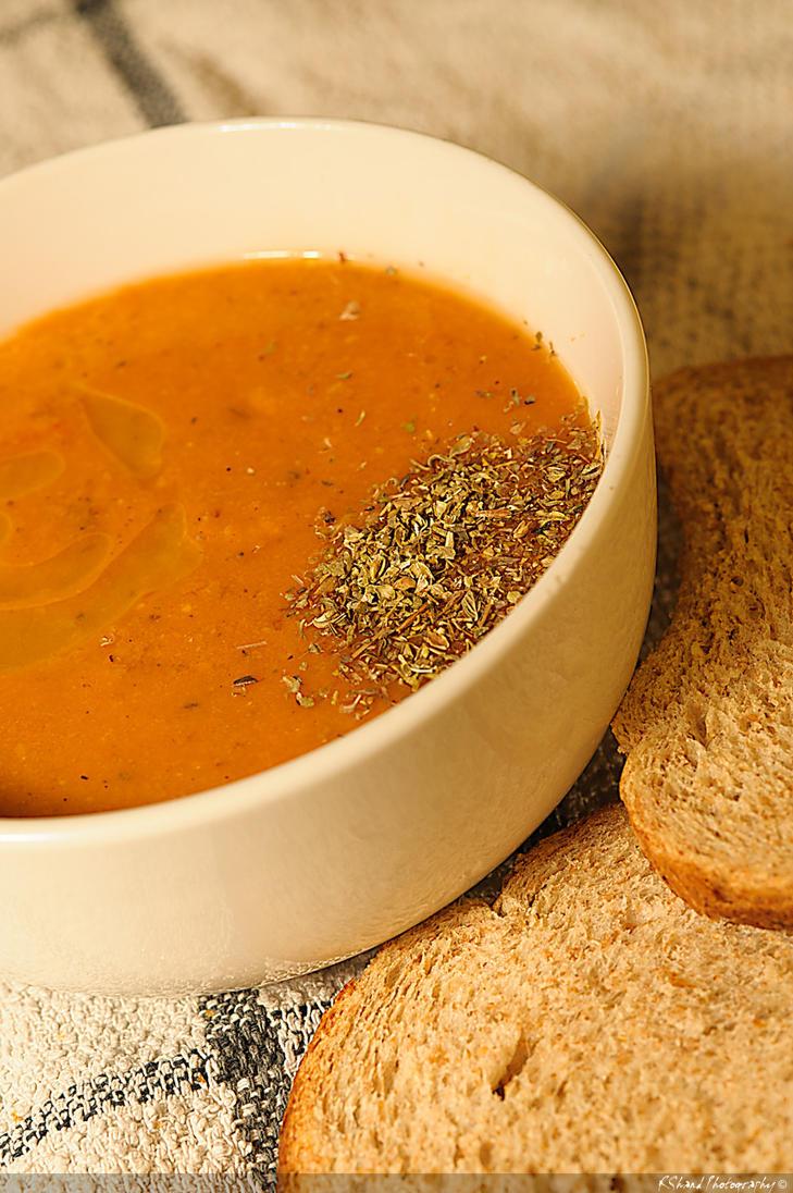 Tomato & Lentil Soup by Auraomega