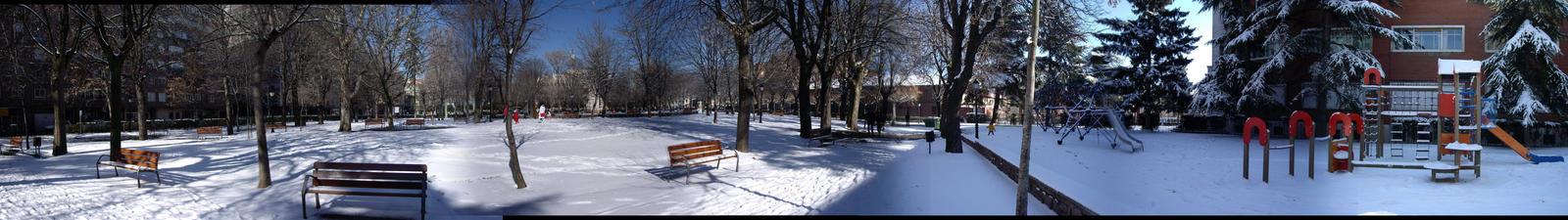 Un parque nevado by Epikuros