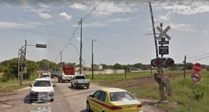 Railroad Crossing Estr. de Chapero, Itaguai, RJ2