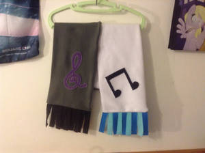 Octavia/DJ Pon-3 scarf