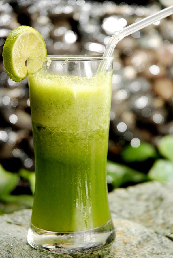 jus nanas + daun sawi hijau by fainsan