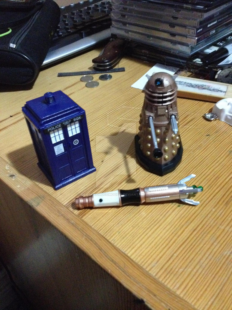 Tiny TARDIS meets Tiny Dalek and Mini Screwdriver by BananaChocoMoofin