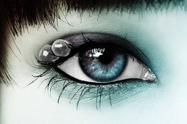 Blue Eye by Vio91