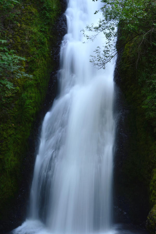 Bridal Veil Falls by WriteTimeWrongPlace