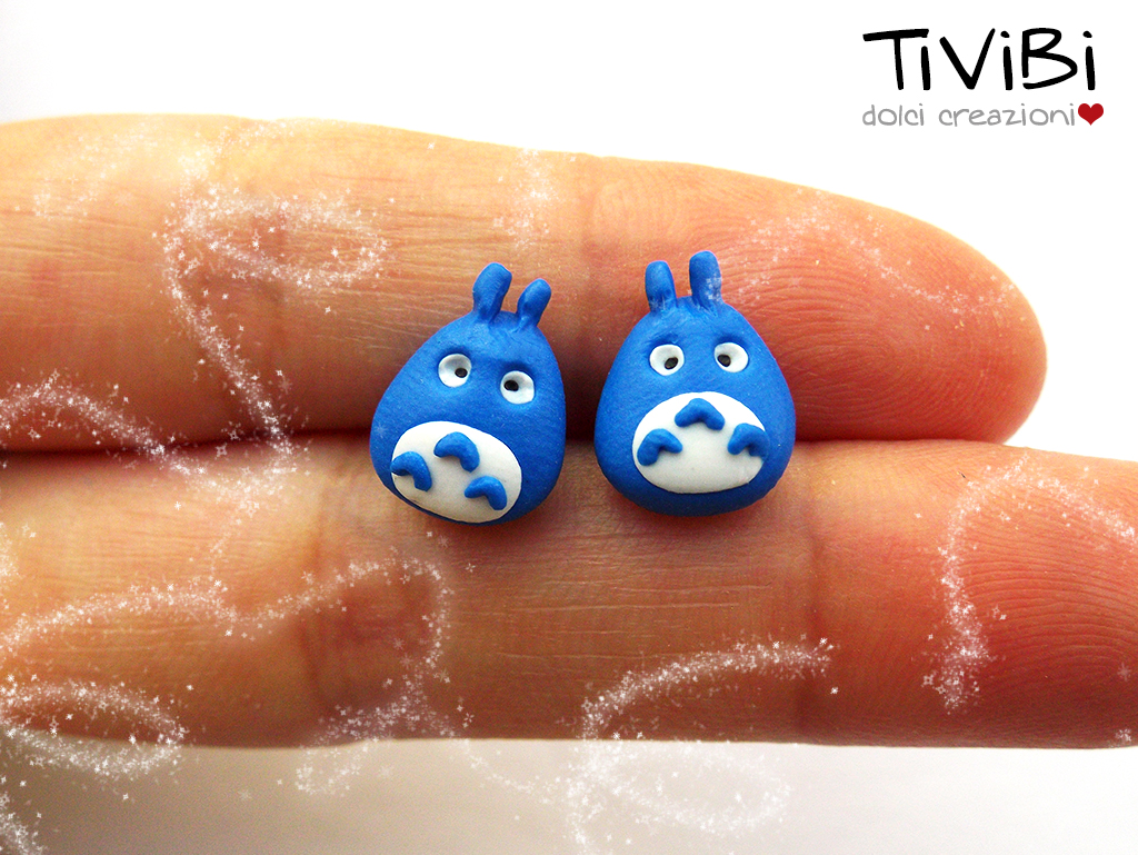 So little, so cute. Totoro post earrings by tivibi