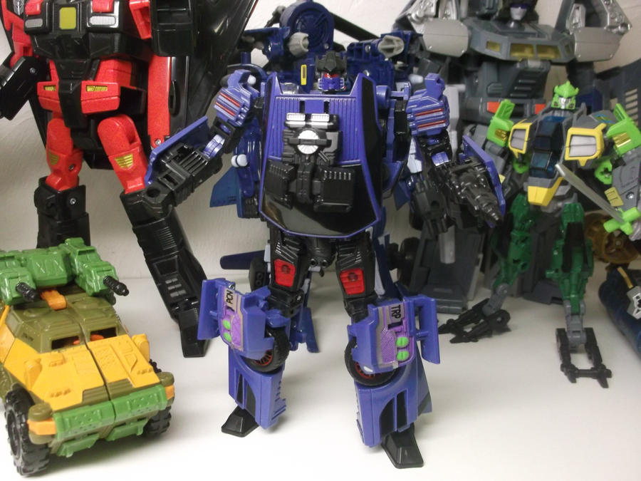 TRANSFORMER COUNTERPUNCH by forever-at-peace