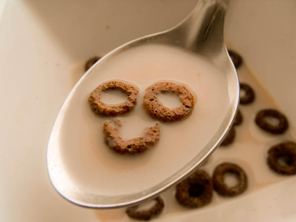 Amazon.com: Fred & Friends CRACK A SMILE Smiley Face Breakfast ...