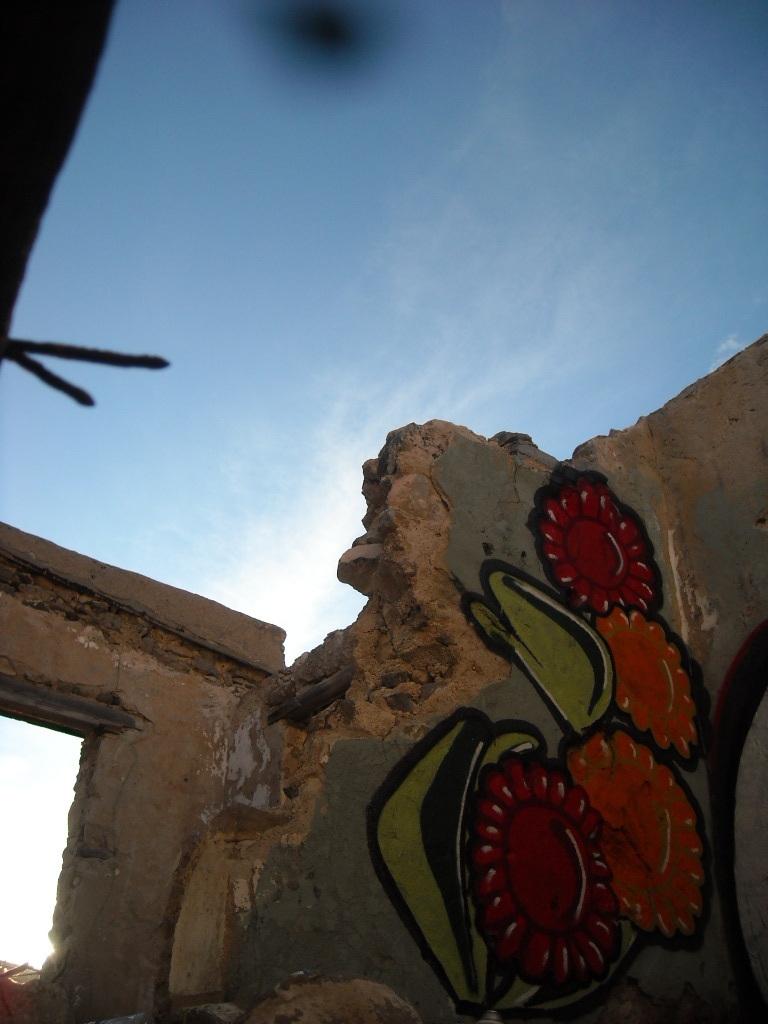wasps like flowers too by batbrainsushi