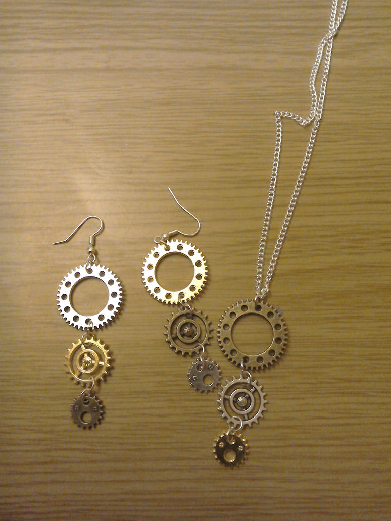 steampunk necklace and earing set by fierysoul