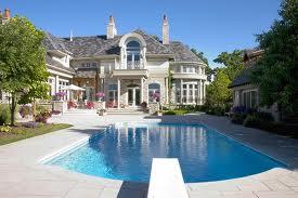 частный дом с бассейном фото цены