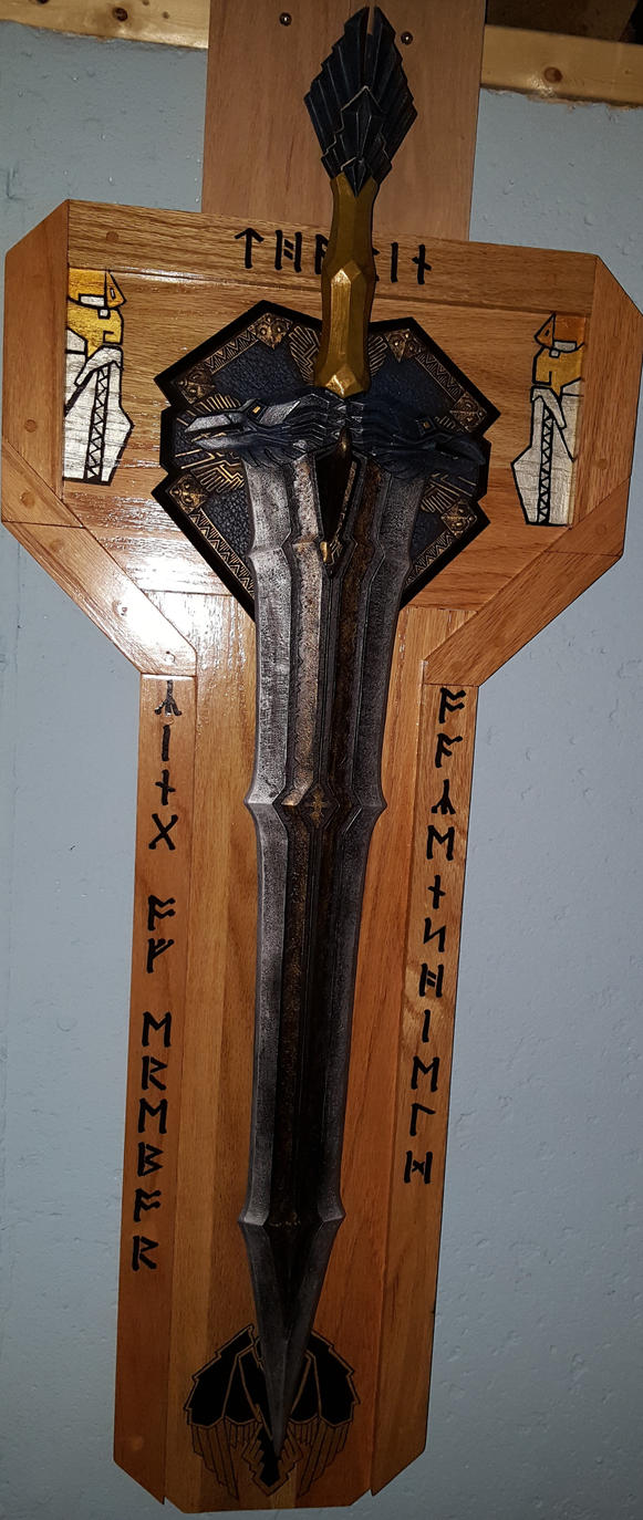 Display plaque for Thorin's sword  -  WITH SWORD by cyderak