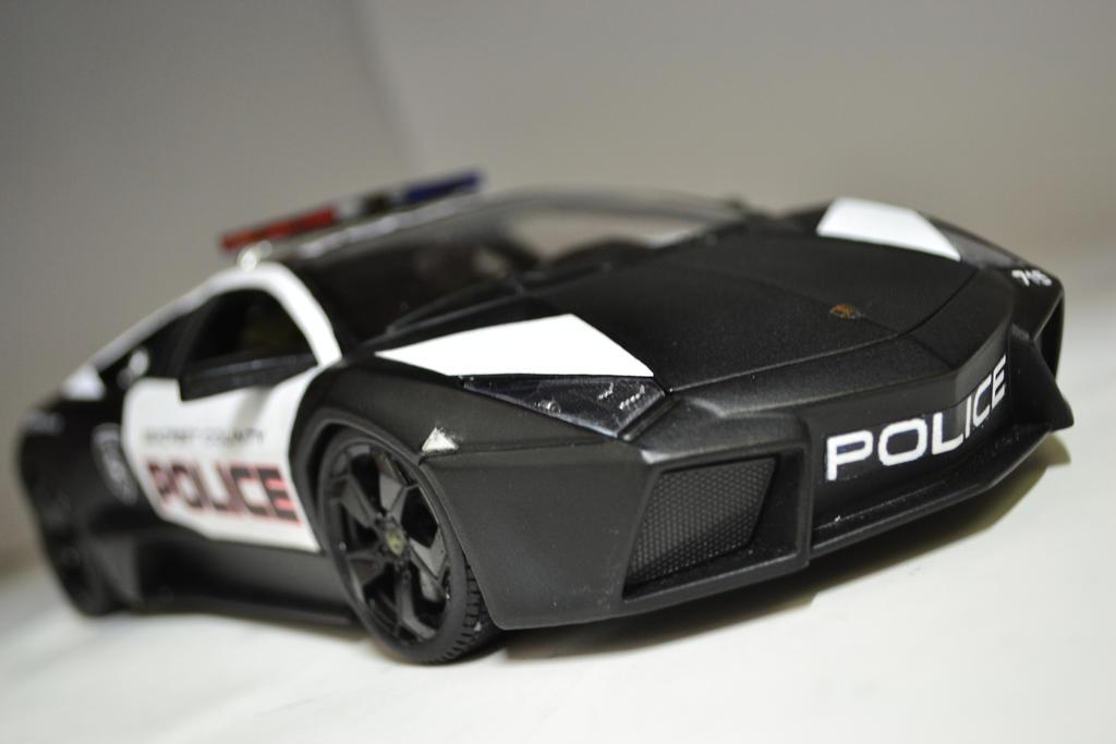 lamborghini reventon police car pictures