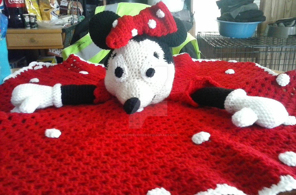 Minnie Mouse Crochet Blanket By Leothelion89 On Deviantart