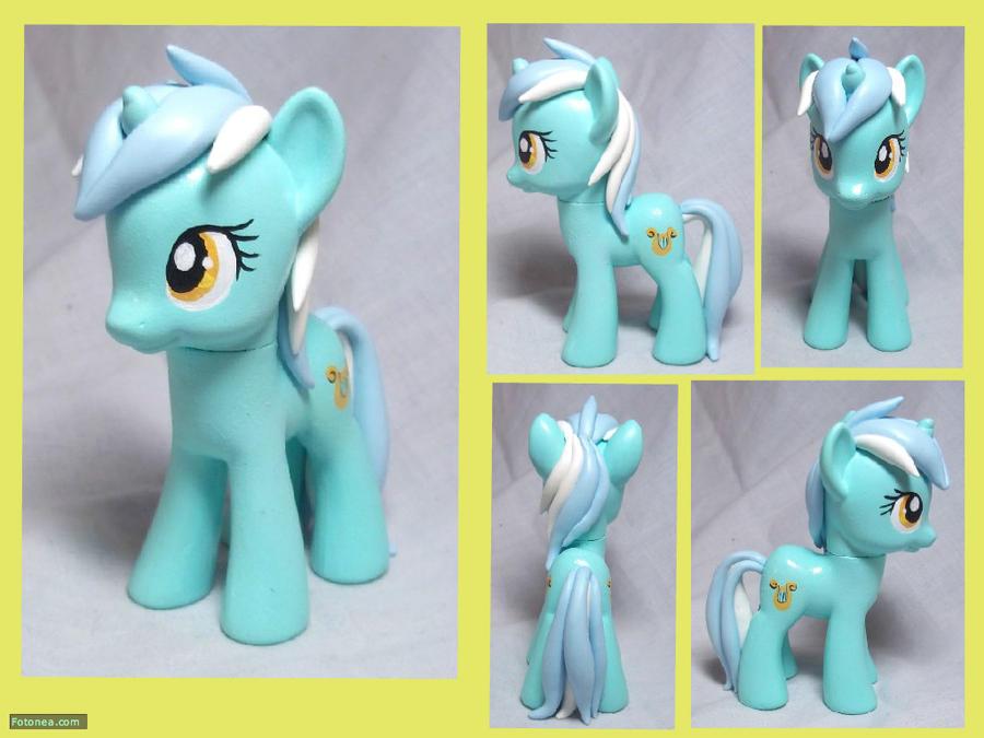 Lyra Custom Toy by CadmiumCrab