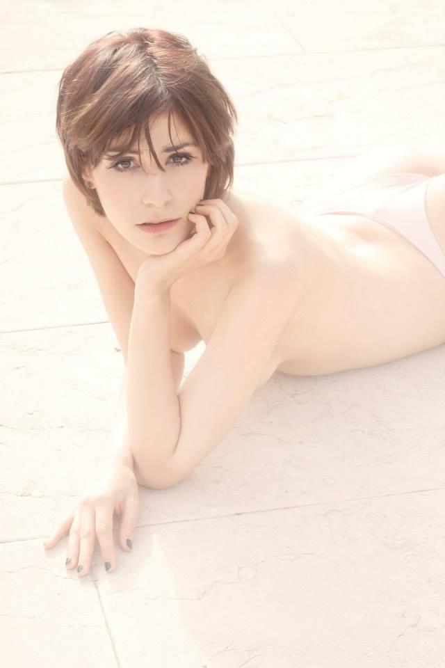 Like a peach by arumii92