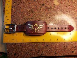 Legend of Zelda Royal Crest - Small Wrist Cuff by deadlanceSteamworks