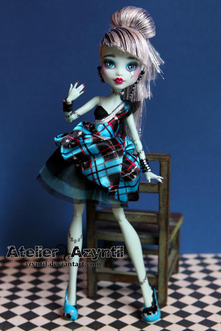Monster High: Frankie 'Fine' Stein by Azyntil
